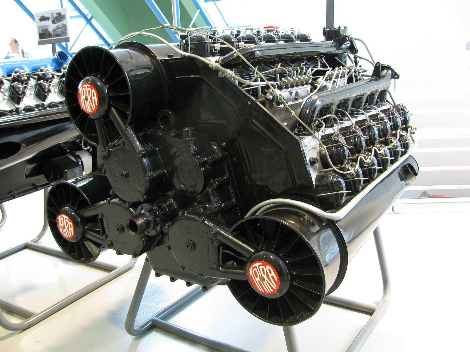 Tatra_T955_engine