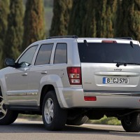2005-2010. Jeep Grand Cherokee 5.7 Limited (WK)