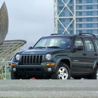 2002-2005. Jeep Cherokee (KJ)