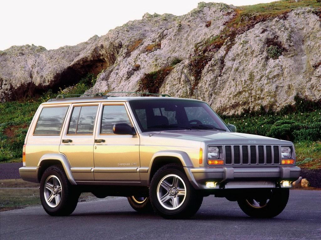 1998–2001. Jeep Cherokee Classic (XJ)