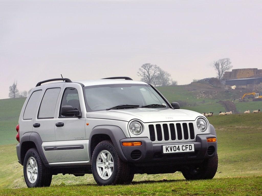 2004-2005. Jeep Cherokee Pioneer (KJ)