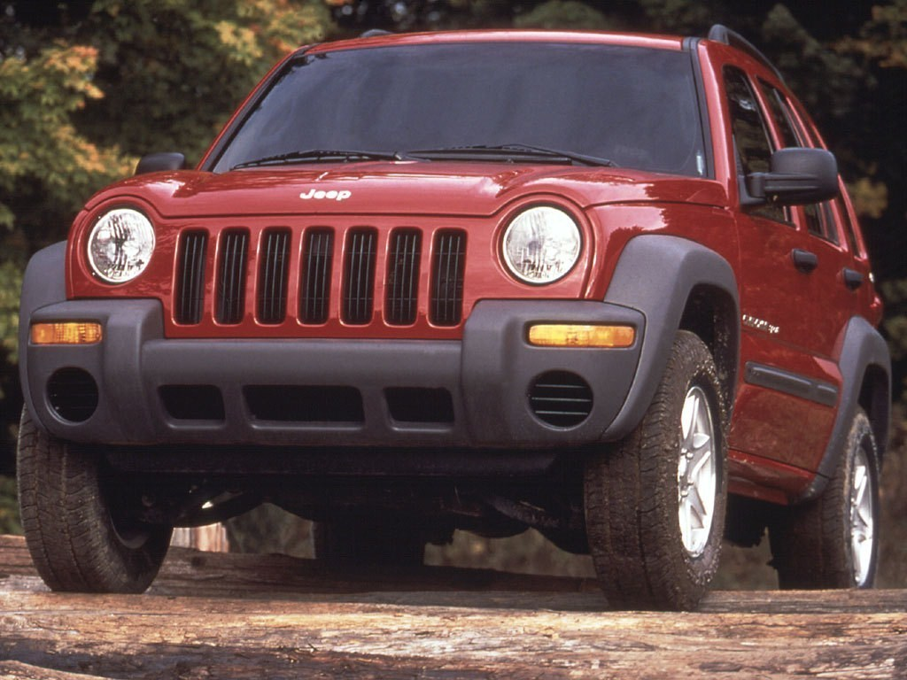 2002-2005. Jeep Cherokee Sport (KJ)
