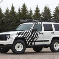 2011. Jeep Cherokee Overland Concept (KK)