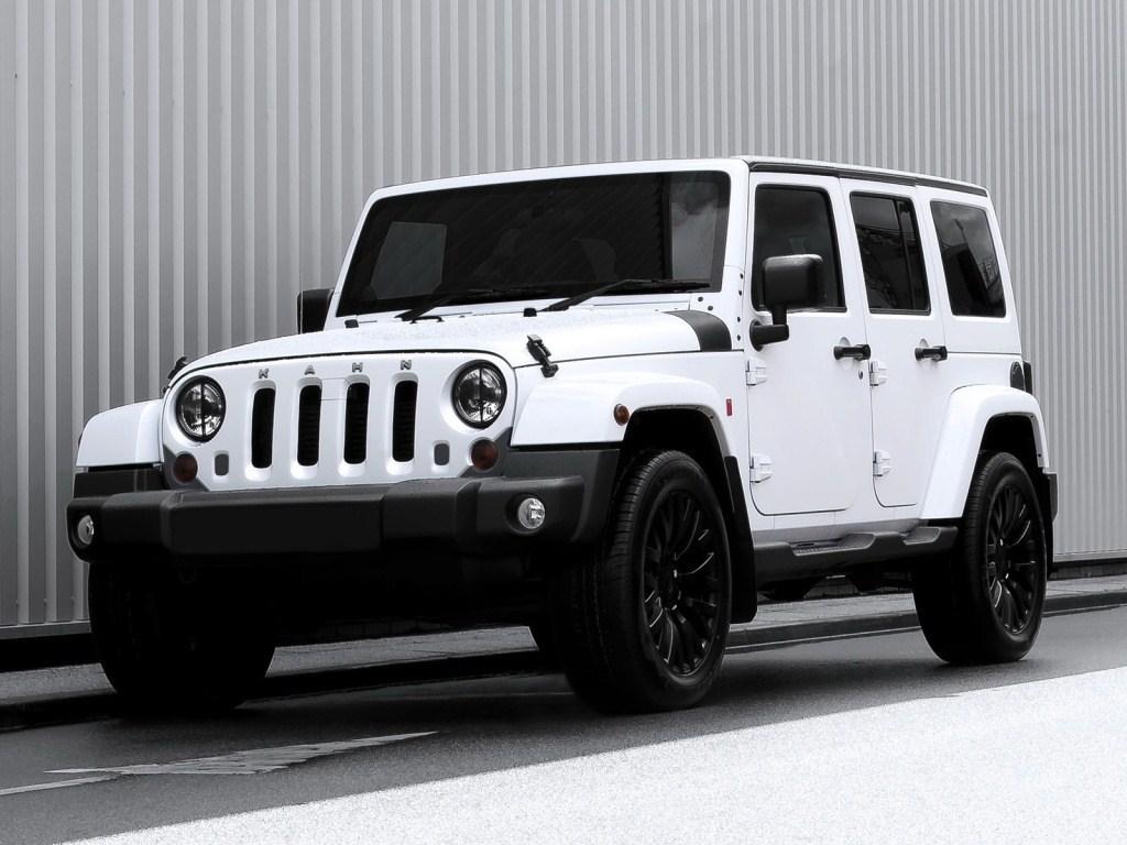 2012. Project Kahn Jeep Wrangler Chelsea 300 (JK)