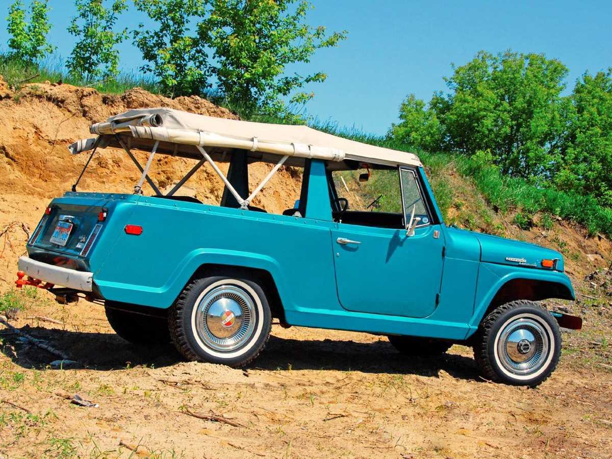 jeep_jeepster_commando_roadster_1