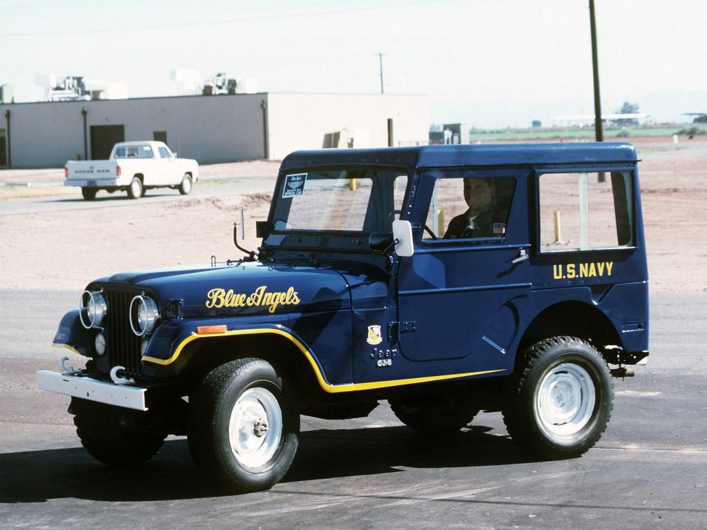 jeep_cj-5_blue_angels_1