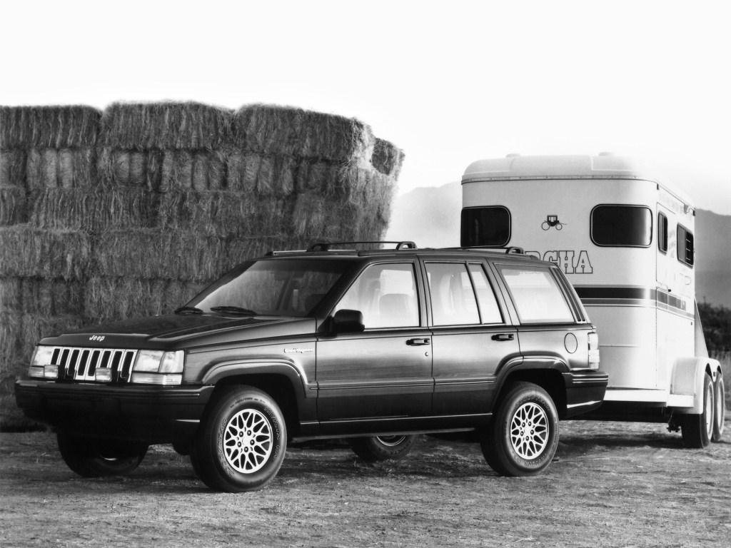 jeep_grand_wagoneer_5