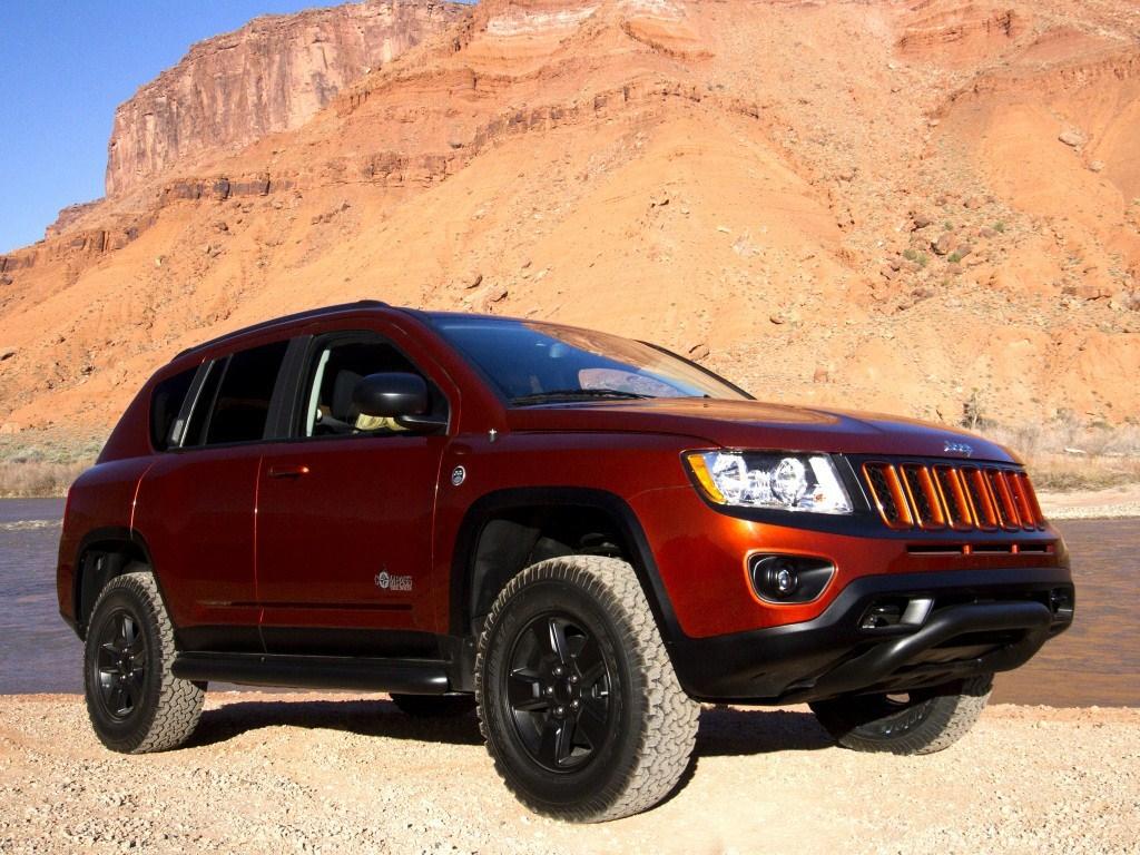 2012. Jeep Compass True North Concept