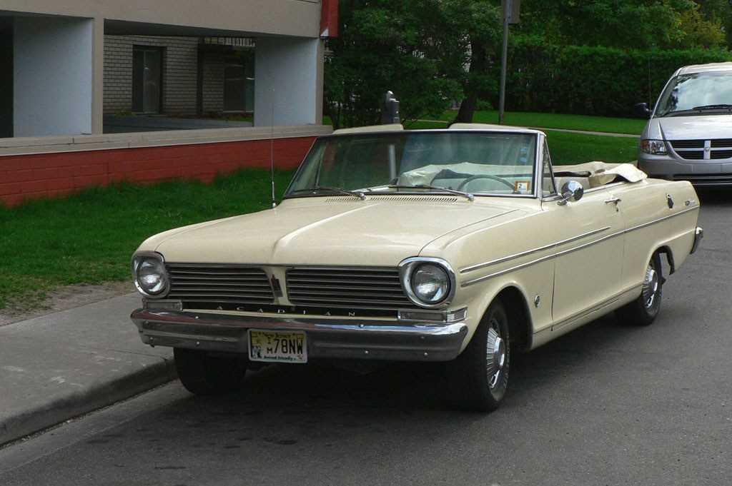1963_Pontiac_Acadian_Beaumont_convertible