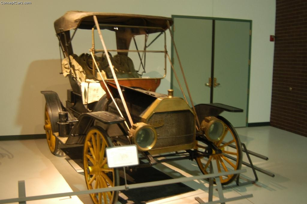 1908-1909. Schacht Model K Runabout