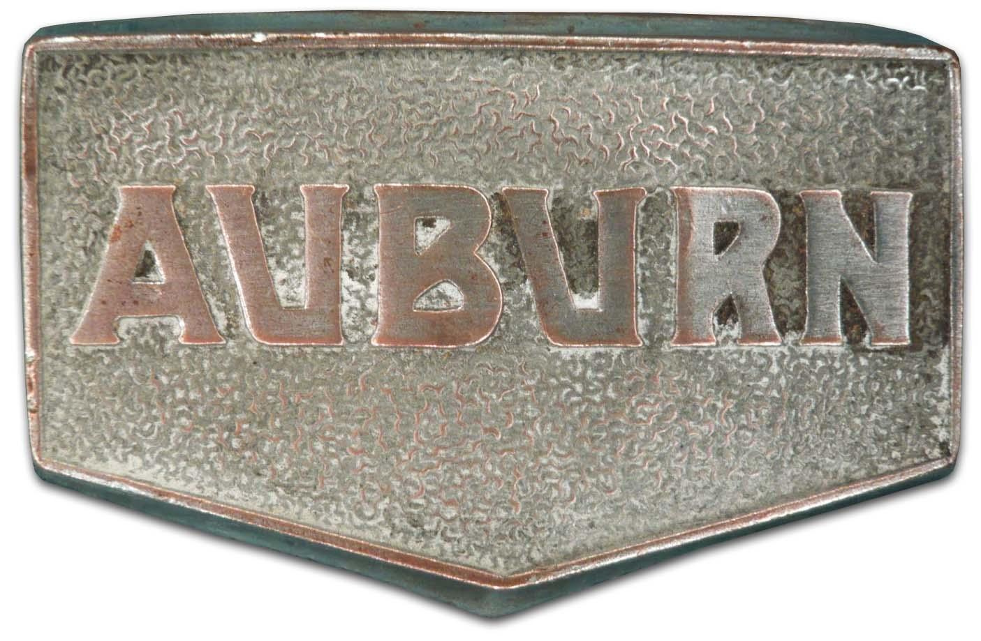 Auburn Boatail Speedster (1931 grill emblem)