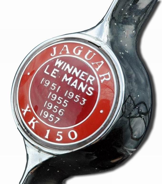 1957. Jaguar XK 150 (1957-1961 trunk Lid emblem)