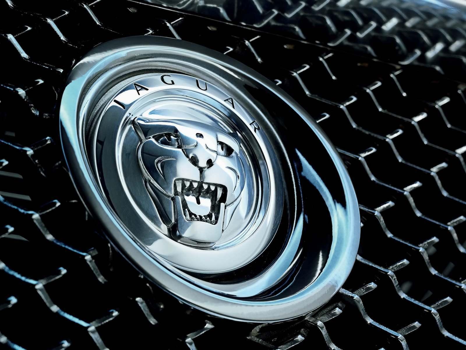2007-jaguar-c-xf-concept-09