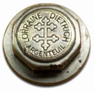 1908. Lorraine-Dietrich (wheel hubcap)