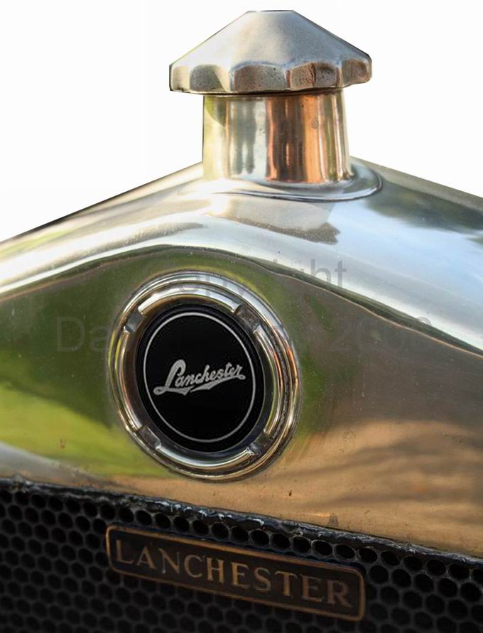 1919. Lanchester Motor Company (grill with emblem and hood ornament)