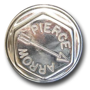 1919. Pierce-Arrow Motor Car Company (wheel hubcap)