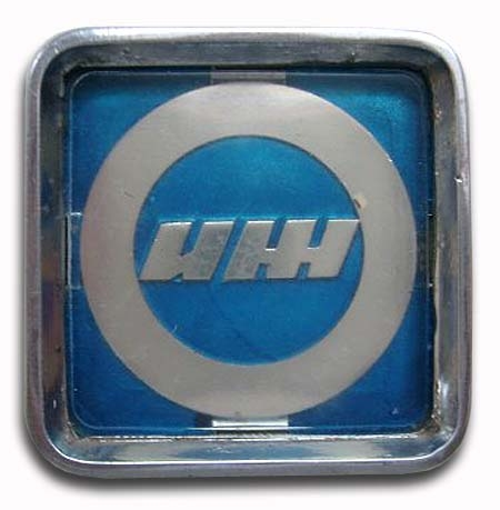 1973-1982. Izh-2125 (grill emblem)