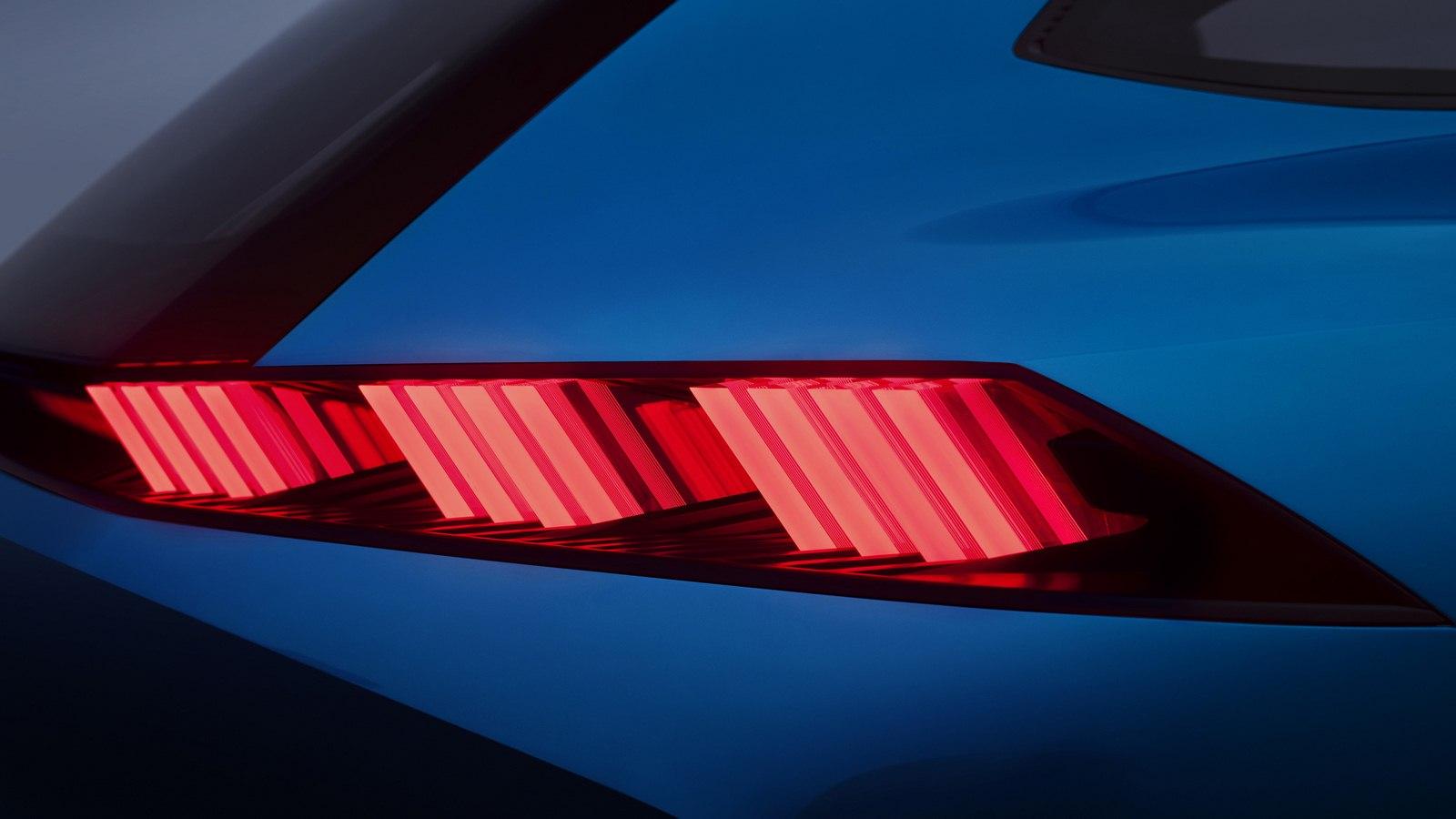 2017-Peugeot-Instinct-Concept-07