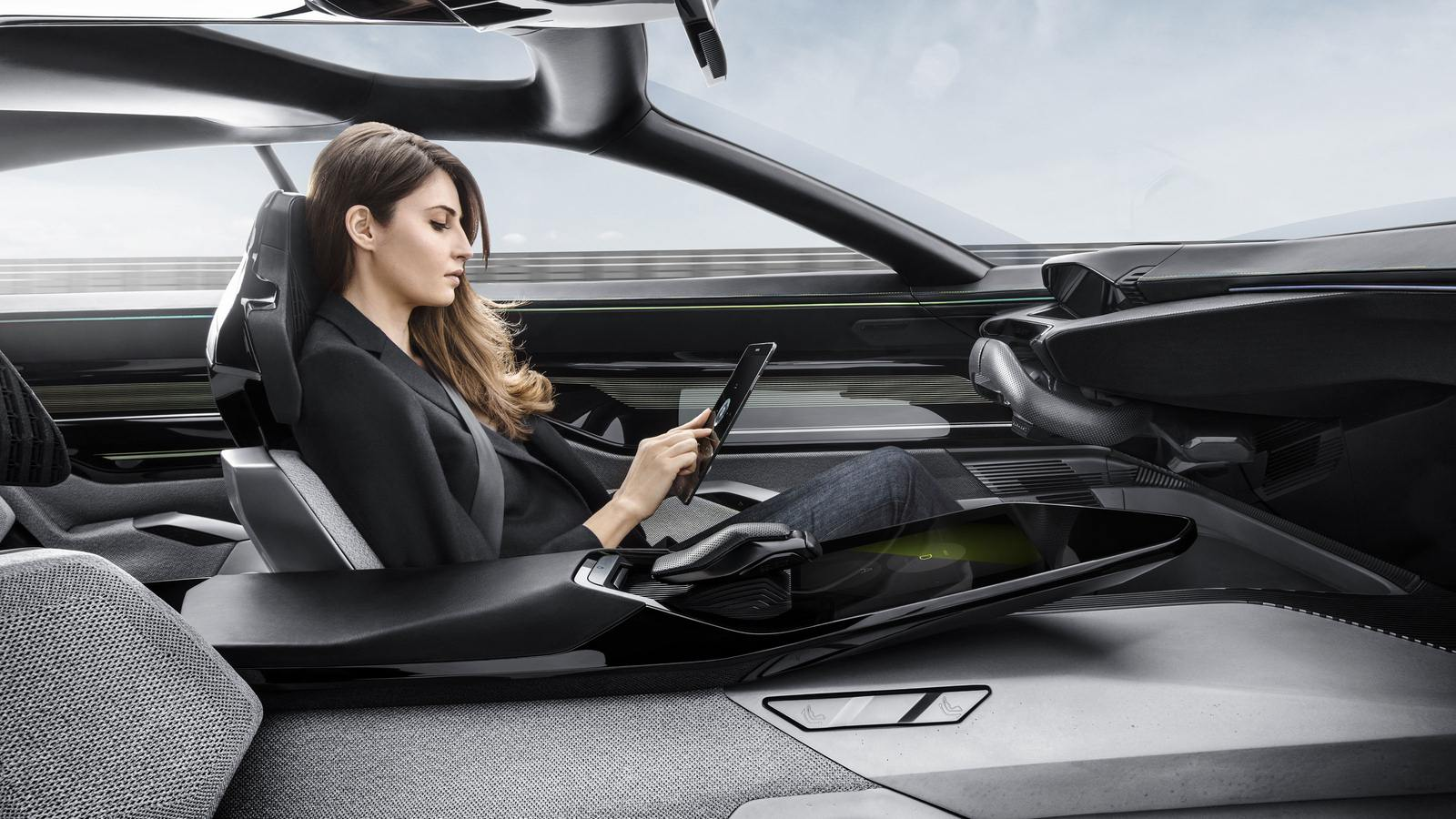 2017-Peugeot-Instinct-Concept-Interior-06
