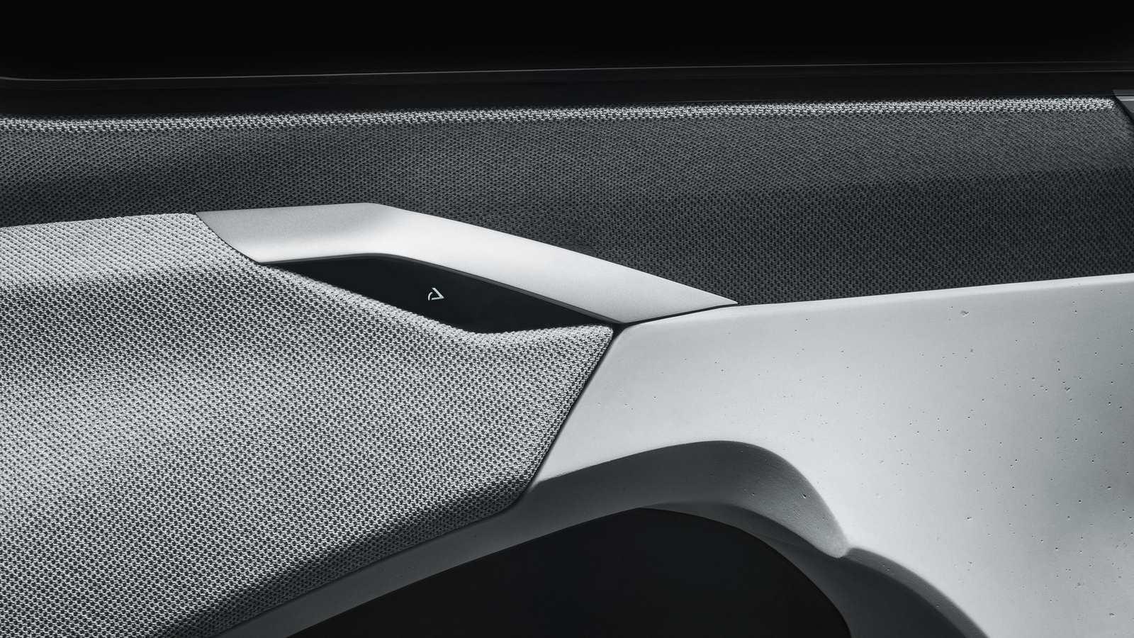 2017-Peugeot-Instinct-Concept-Interior-12
