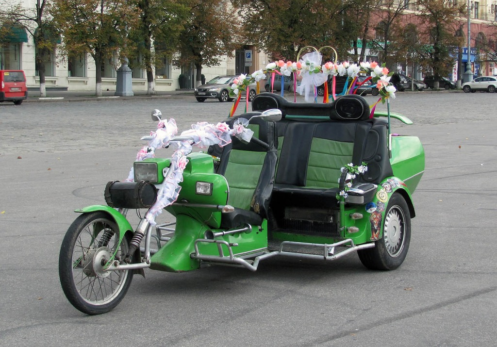 2000 (?). ТРИЦИКЛ. Украина. Харьков. Автор неизвестен