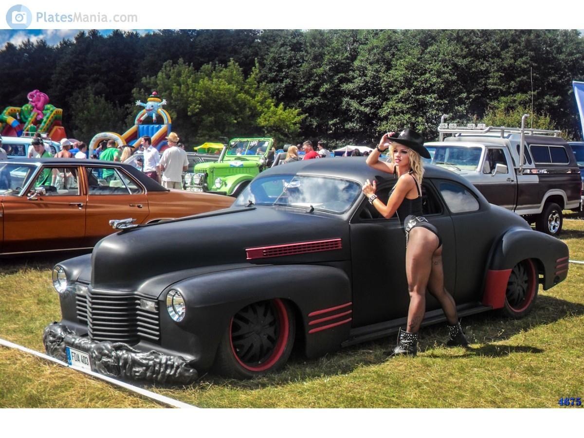 2000 (?). ХОТ РОД. Литва. Автор неизвестен. Агрегатная база Cadillac 62, 1941 г.в.