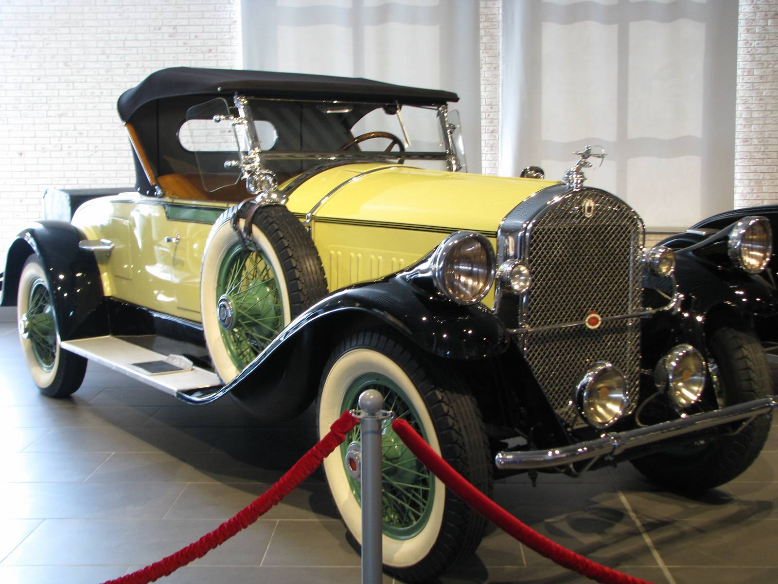 1928. Pierce-Arrow 81 Roadster