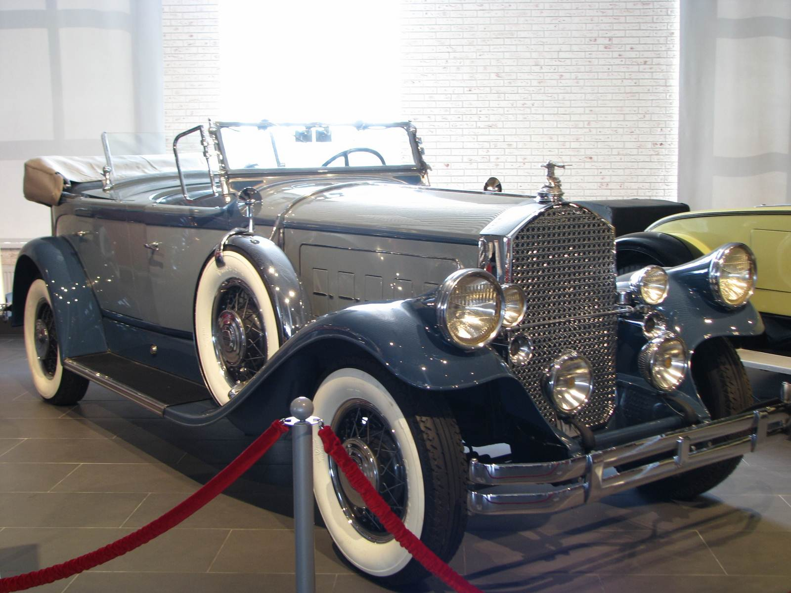 1930. Piercr-Arrow Model B Tonneau