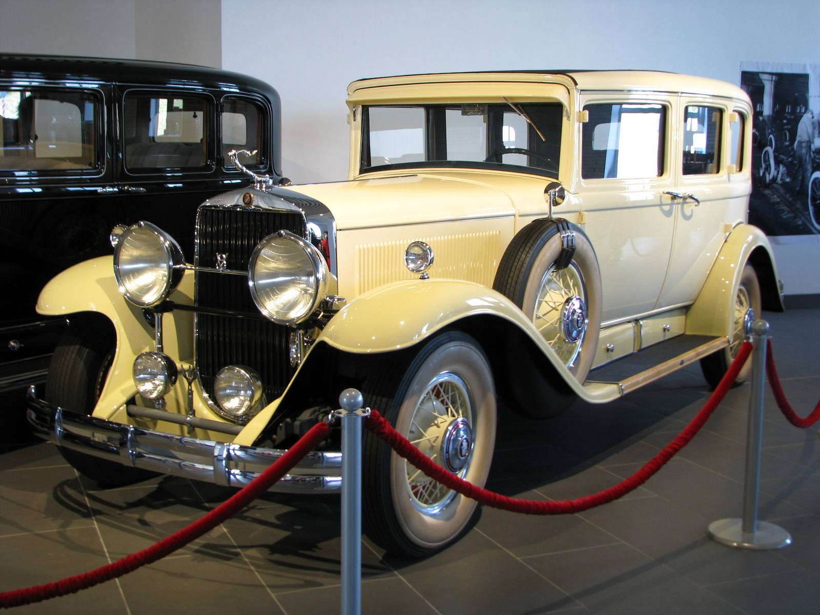 1929-1930. Cadillac 353