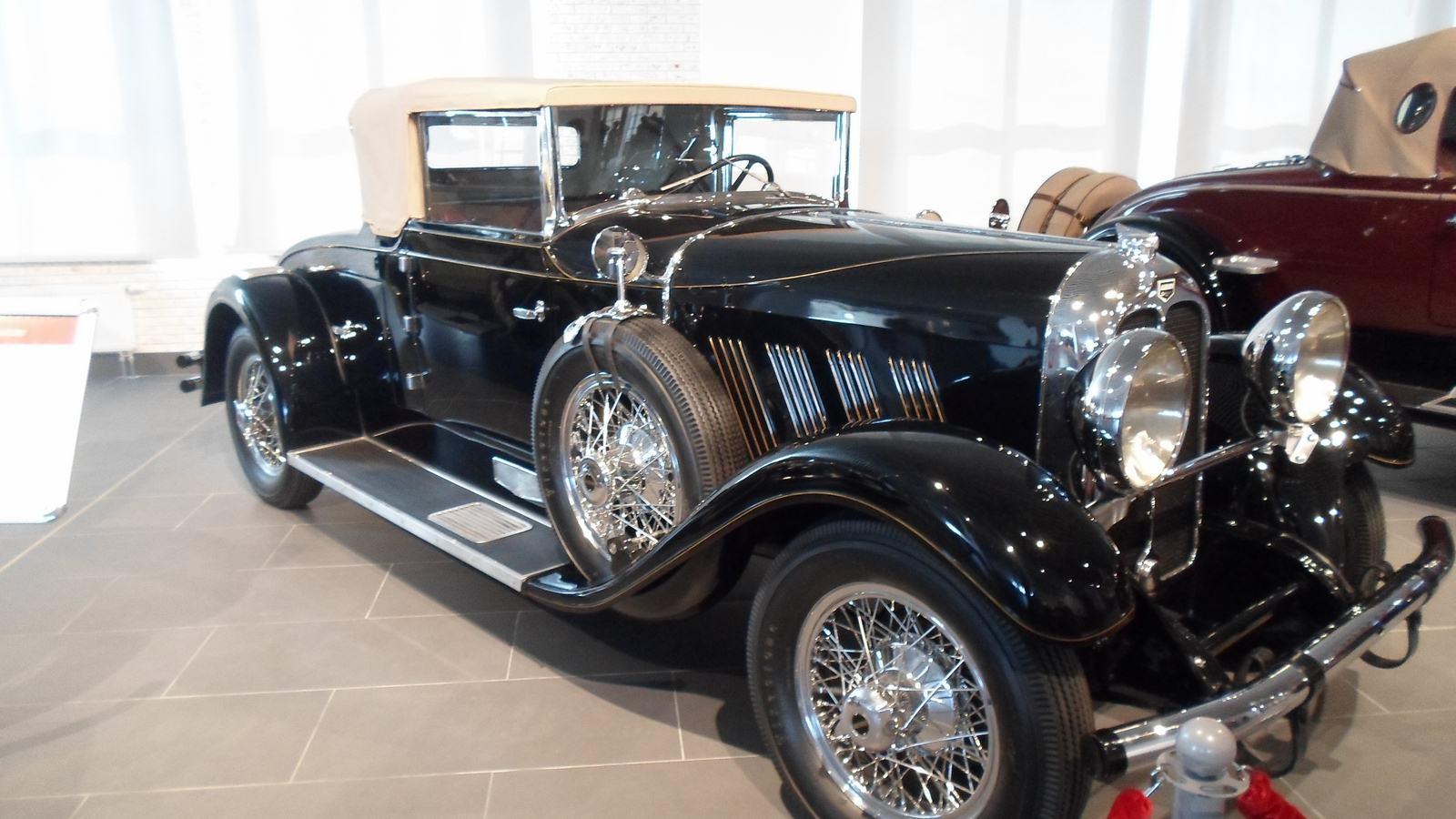 1929. Auburn 8-90 Cabriolet