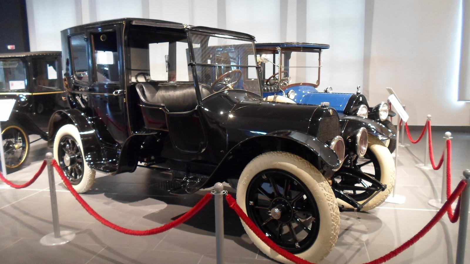1915. Brewster Knight Model 41 Town Car